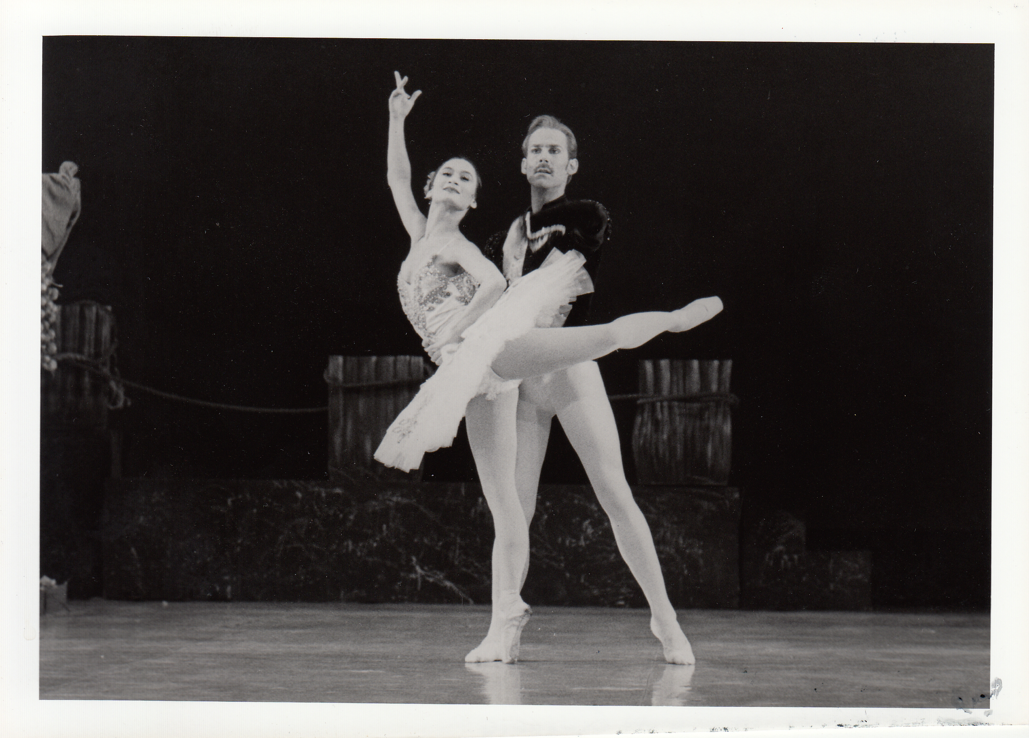 Wes Chapman, also of American Ballet Theater, dances with Lisa Macuja in another show of Don Quixote at the Cultural Center of the Philippines in 1993.
